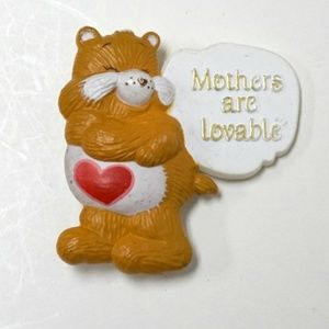 "VTG 1984 ""Mothers are Lovable"" brooch"